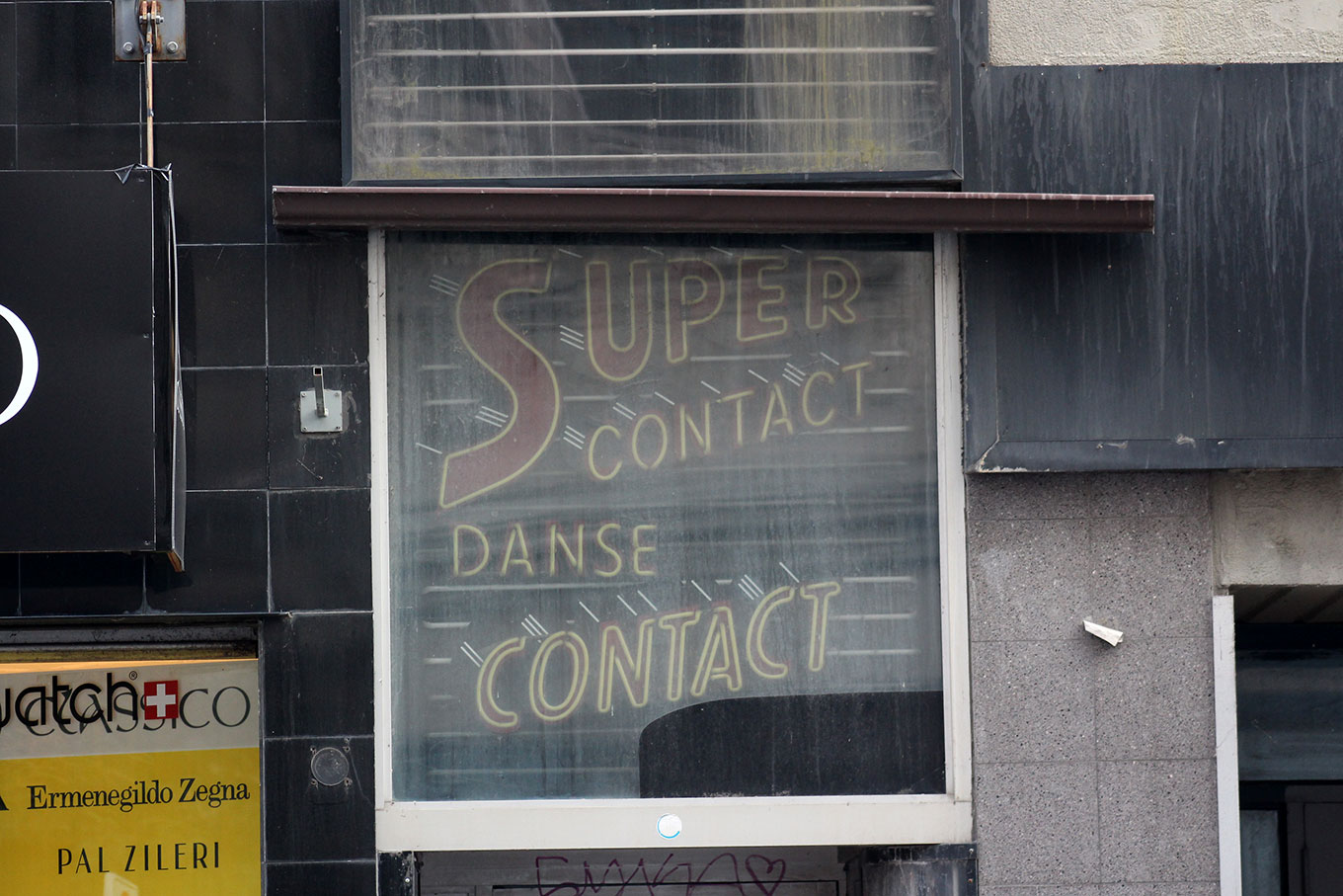 1970s neon advertised the Club Super Contact (now defunct) on the rue Ste-Catherine