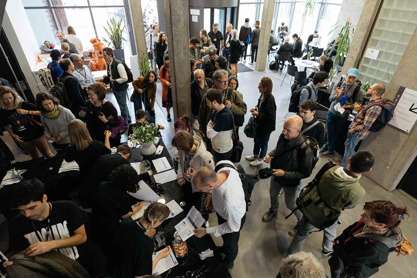 Overhead photo of the crowd registering on the opening day of TYPO Labs 2018.